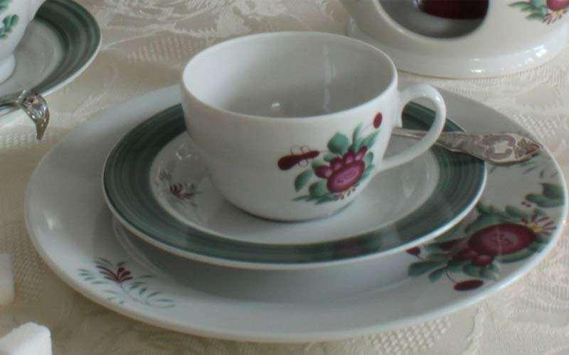 Teetasse mit Ostfriesische Rose - Foto von Friesland Porzellanfabrik