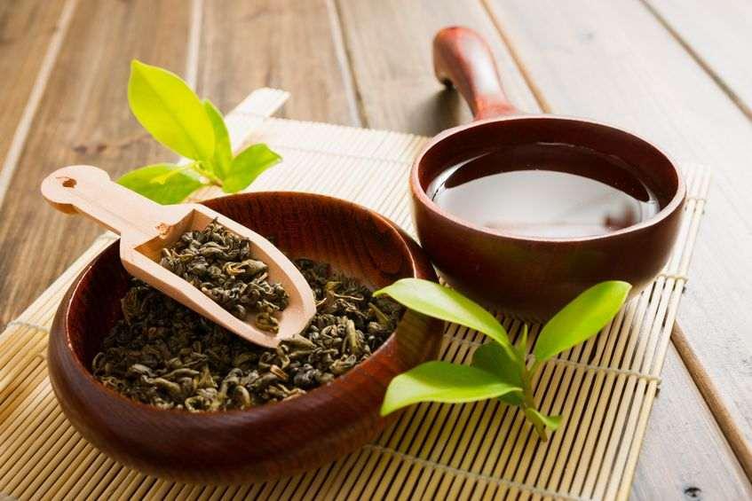 Schale mit Tee